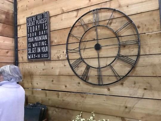 Magnolia Clock