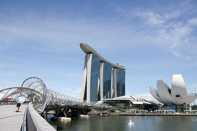 Marina Bay Sands and Helix Bridge - 3