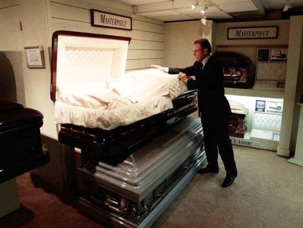 Funeral directors and morticians