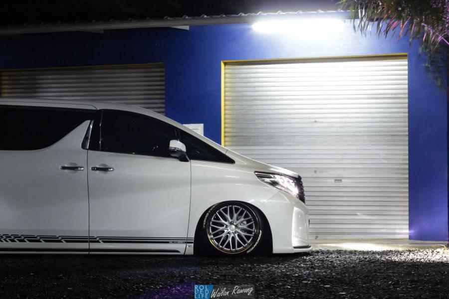 Kikianugraha Slammed Toyota Alphard-1
