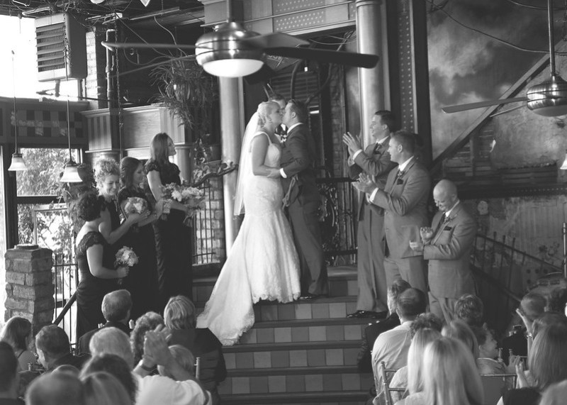 Theater glamour wedding from @offbeatbride