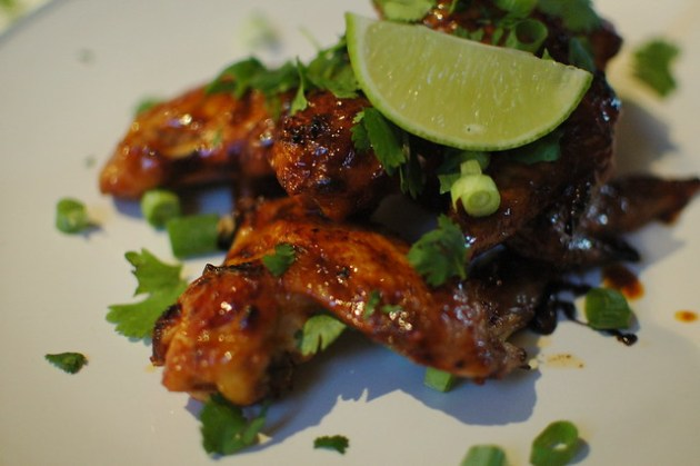 Sriracha Glazed Wings 01
