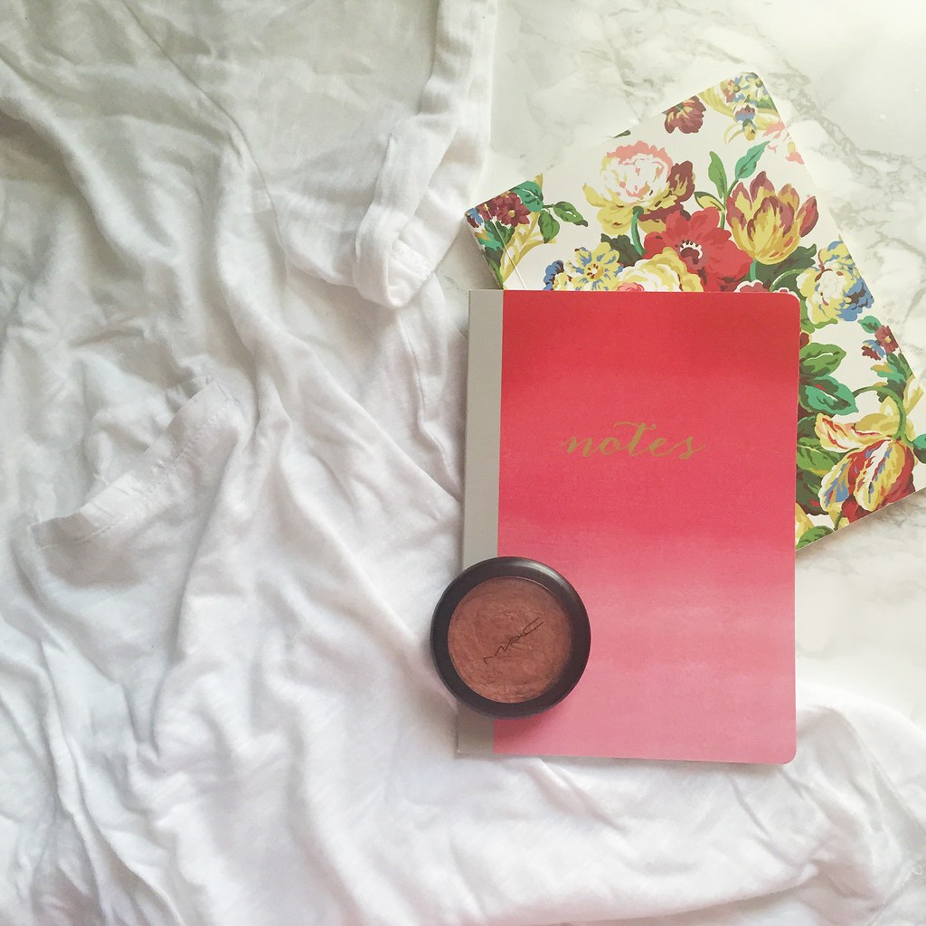 How to take a flatlay picture for Instagram