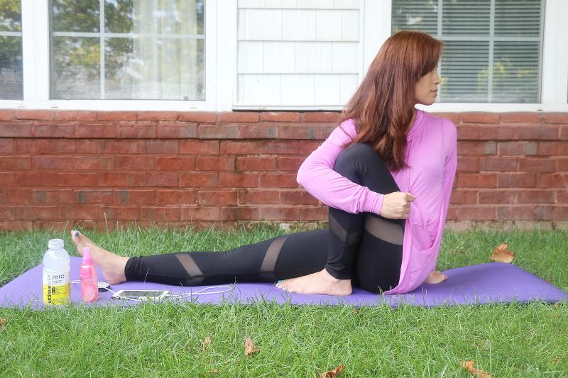 vitaminwater-rose-spray-yoga-24