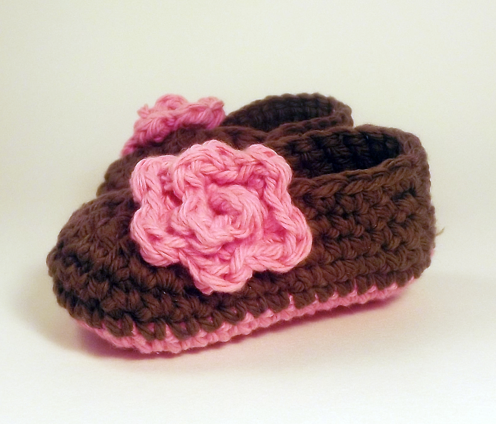 25b0dc7d56bbe Baby Booties Rose