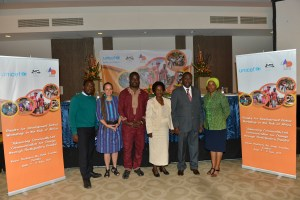 Adrian Maanka, Nat'l Arts Council; Kerida McDonald, Senior Advisor C4D Unicef HQ; Mark Chilongu, Director, Africa Directions; Hon. Esther Banda, Dep. Min. of Culture; Dr. Hamid El-Shadir , Unicef Zambia Rep; Madam Mulenga Kapepwe, Chairman, Nat. Arts Council - Photo credit: Baldwin Old