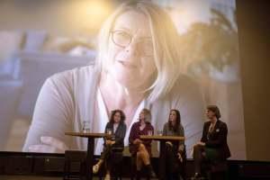 Indrukwekkende verhalen leiden tot inzichten bij de conferentie 'De schaduwkanten van ouderschap'