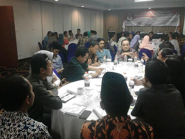 Suasana FGD KPU Jatim di Quest Hotel Surabaya (27/12)