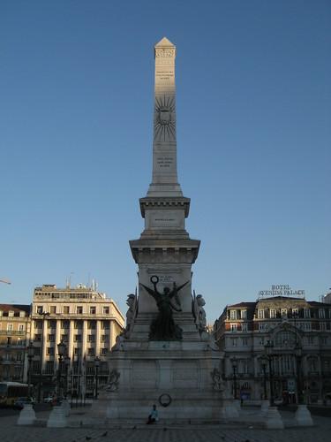 Monumento de los Restauradores en la Plaza de los Restauradores. ViajerosAlBlog.com.