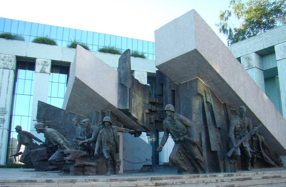 Plaza del Alzamiento Varsovia Polonia 03