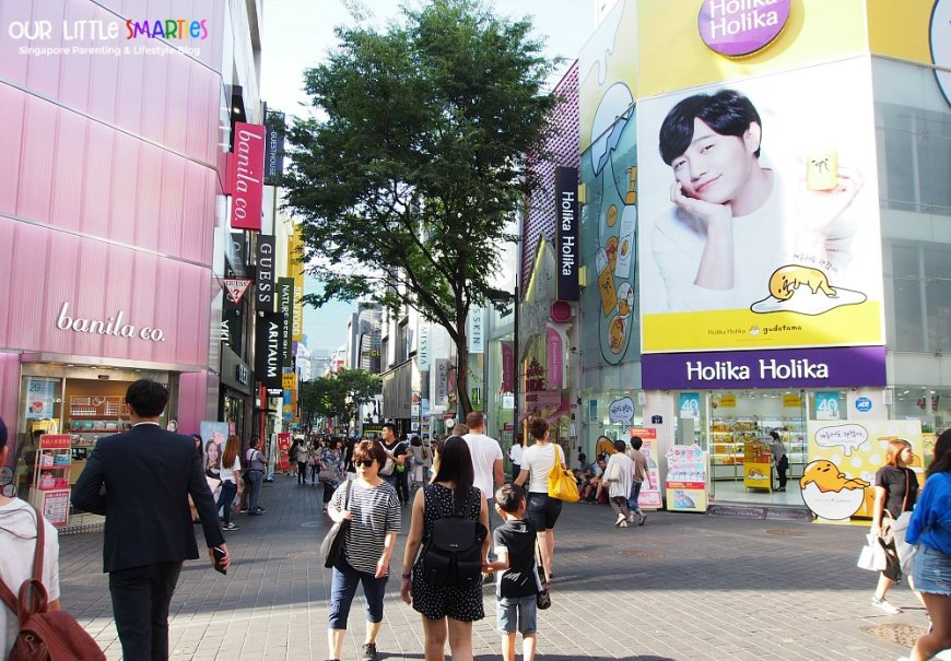 Shopping at Myeong Dong 2