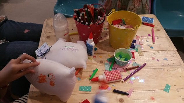 Coloring a piggy bank stuffed toy 2