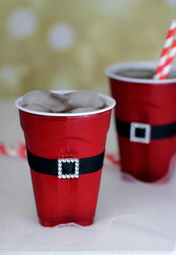 Homemade Parties DIY Party _How to Make Santa Cups12