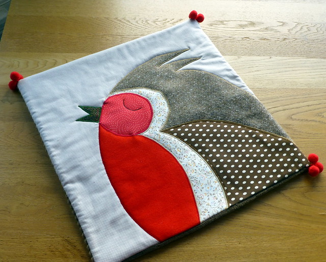 Christmas Robin Cushion for Pretty Patches (Dec16)