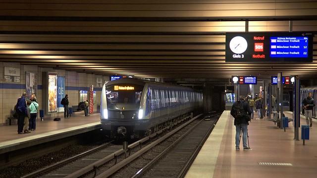C2-Zug 713 an der Implerstraße auf der Fahrt nach Großhadern (Bild: Frederik Buchleitner)