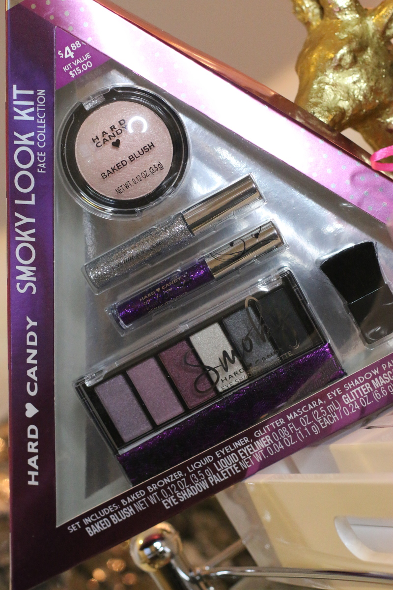 Holiday-gift-guide-hard-candy-smoky-look-kit-4
