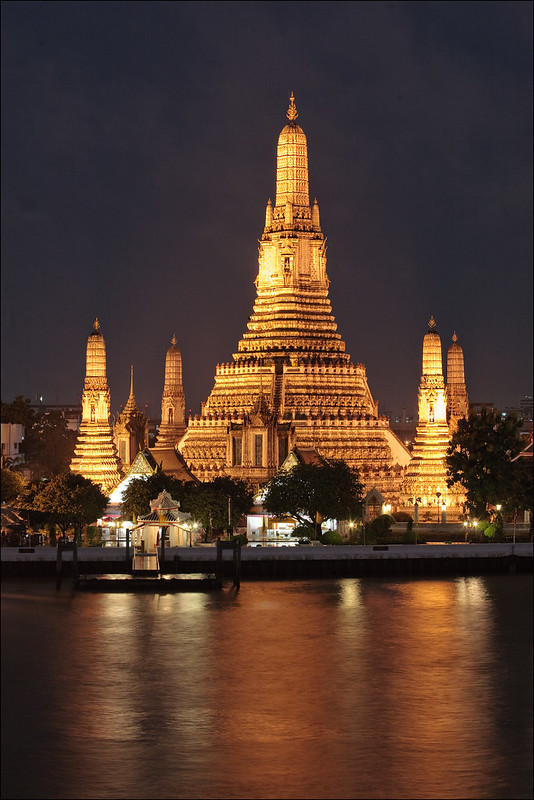 Wat Arun by night, in bangkok Thailand