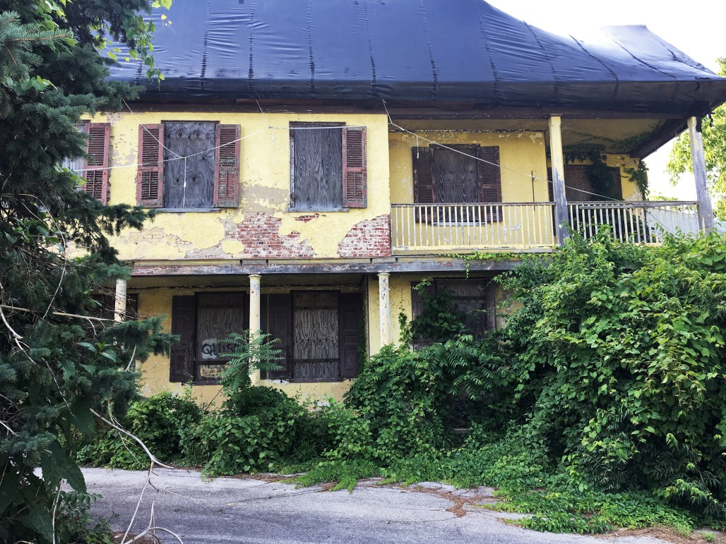 richard-ashbridge-mansion-exton-driveway