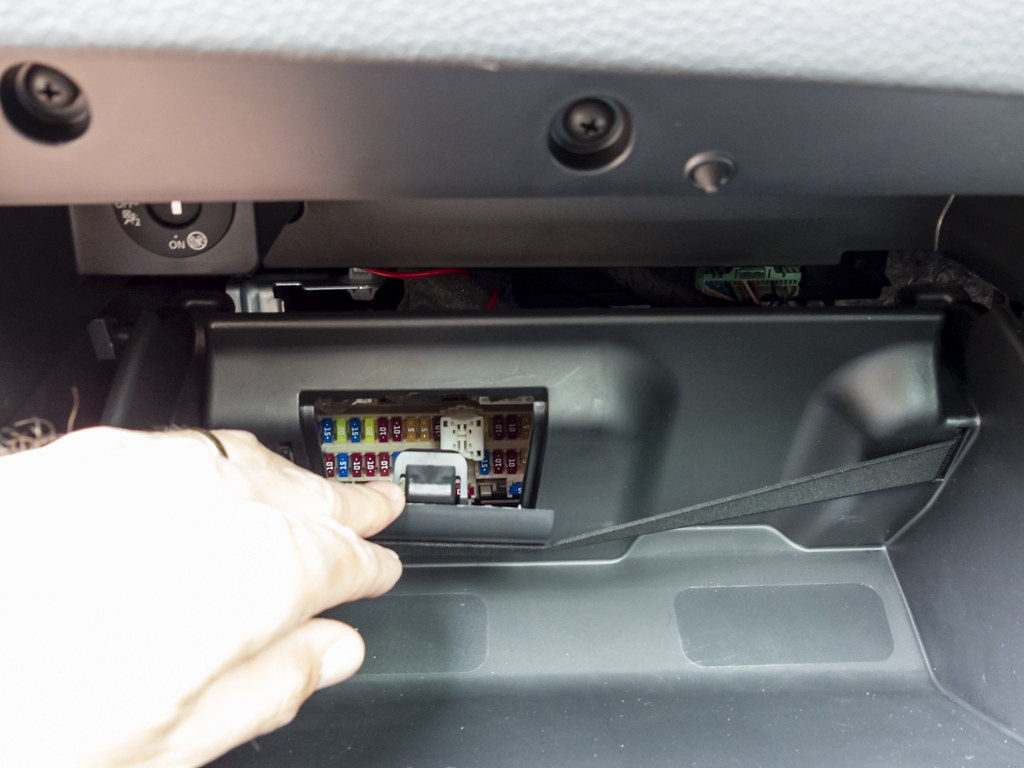 hight resolution of installing a dashcam nissan qashqai forums image