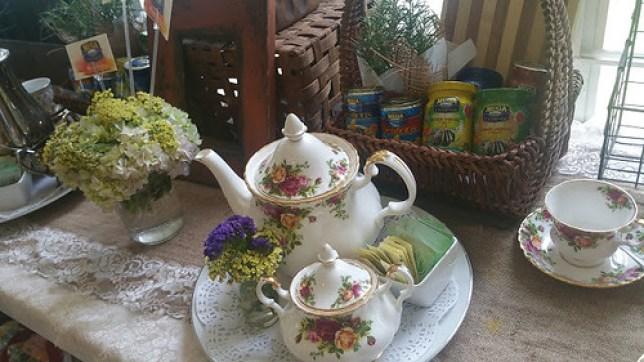 English Tea set with Mega sardines decor