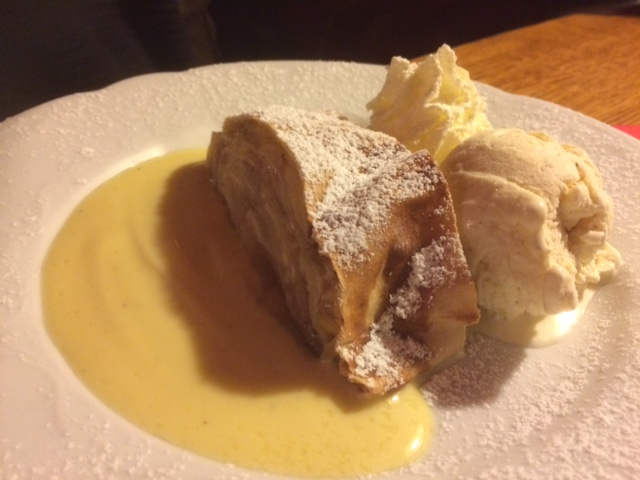 My friends dessert: Apfelstrudel