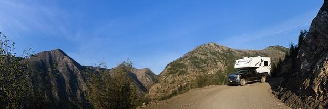 Bergab auf der Slate Peak Road