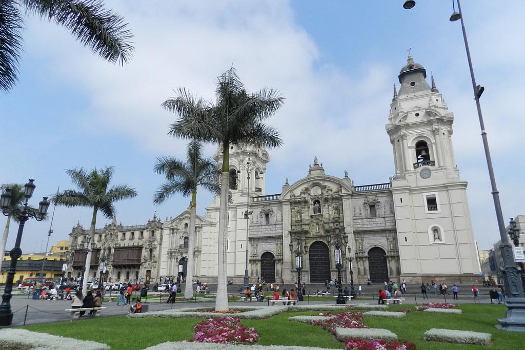 Lima Catedral de Lima y Primada del Peru Plaza de Armas Peru 02