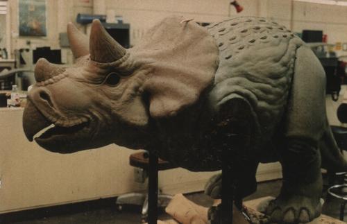 54_Jurassic_Park_sculpture_1