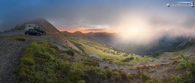 Rising sun, shining through the morning mist