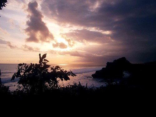 Pura Batu Bolong Sunset Bali