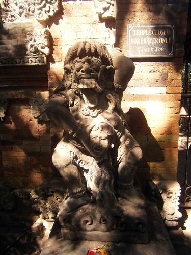 Violent Statue