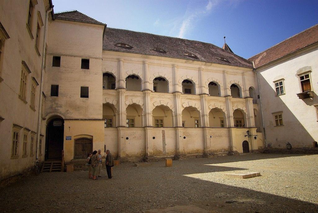 Curte interioara, cetatea Fagaras