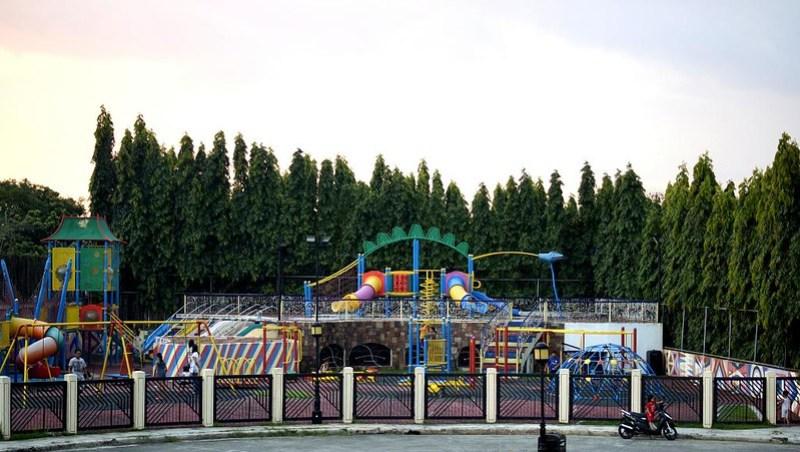 Playground 08