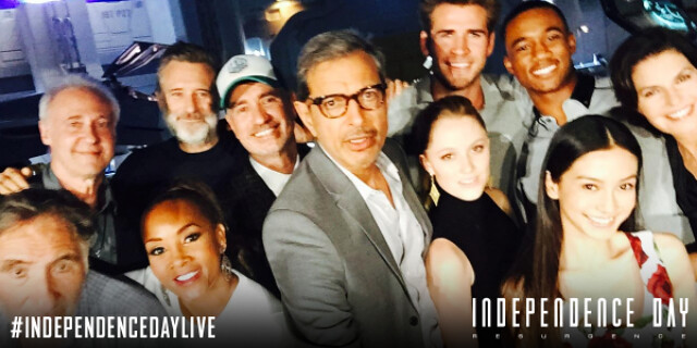 Independence Day casts