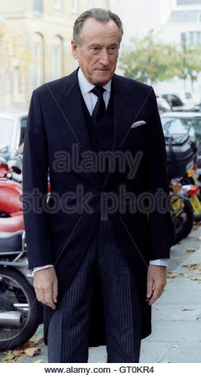 Lord Hanson arrives for the memorial service of thanksgiving for business tycoon Lord White of Hull at St Paul's Stock Photo
