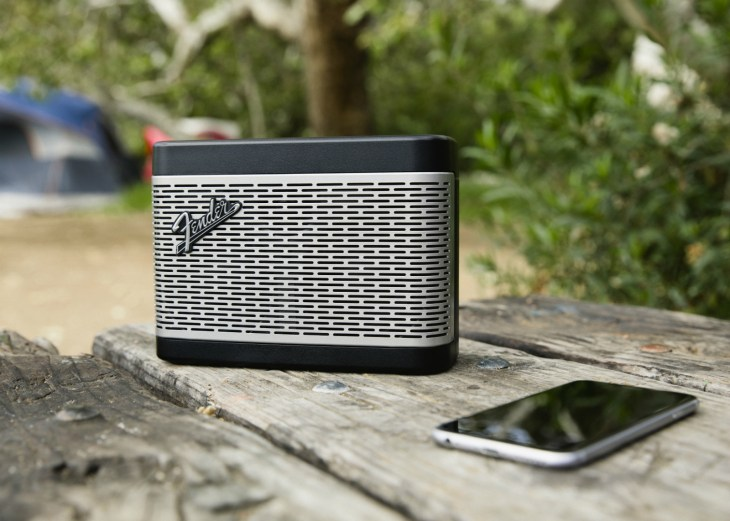 fender-bt-speaker-outdoor-05-1
