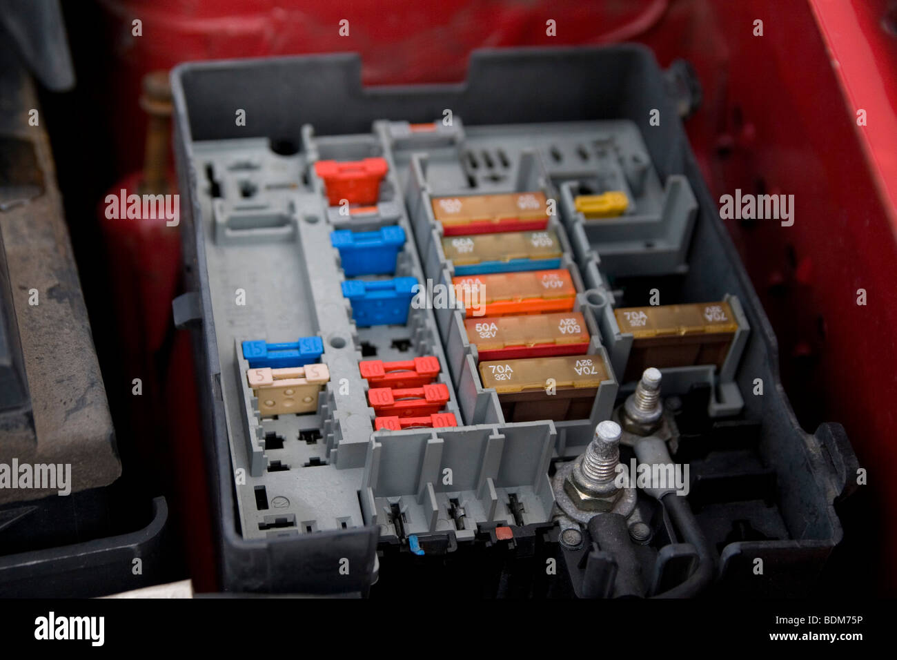 car fuse box voltage