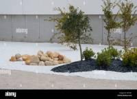 modern arrangements of public garden area using large ...