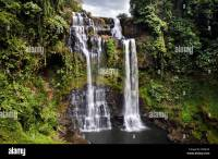 Large waterfall in the jungle, Tad Yuang, Bolaven Plateau ...