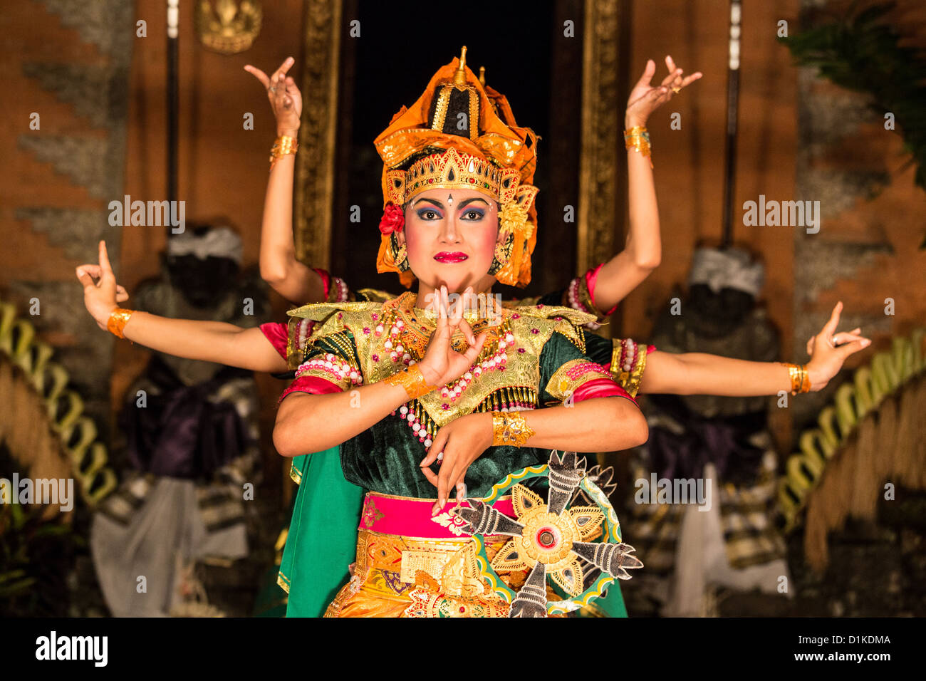 traditional balinese dance at