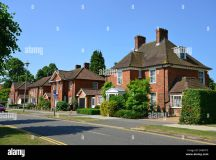 Detached houses on Parkway in centre of Welwyn Garden City ...