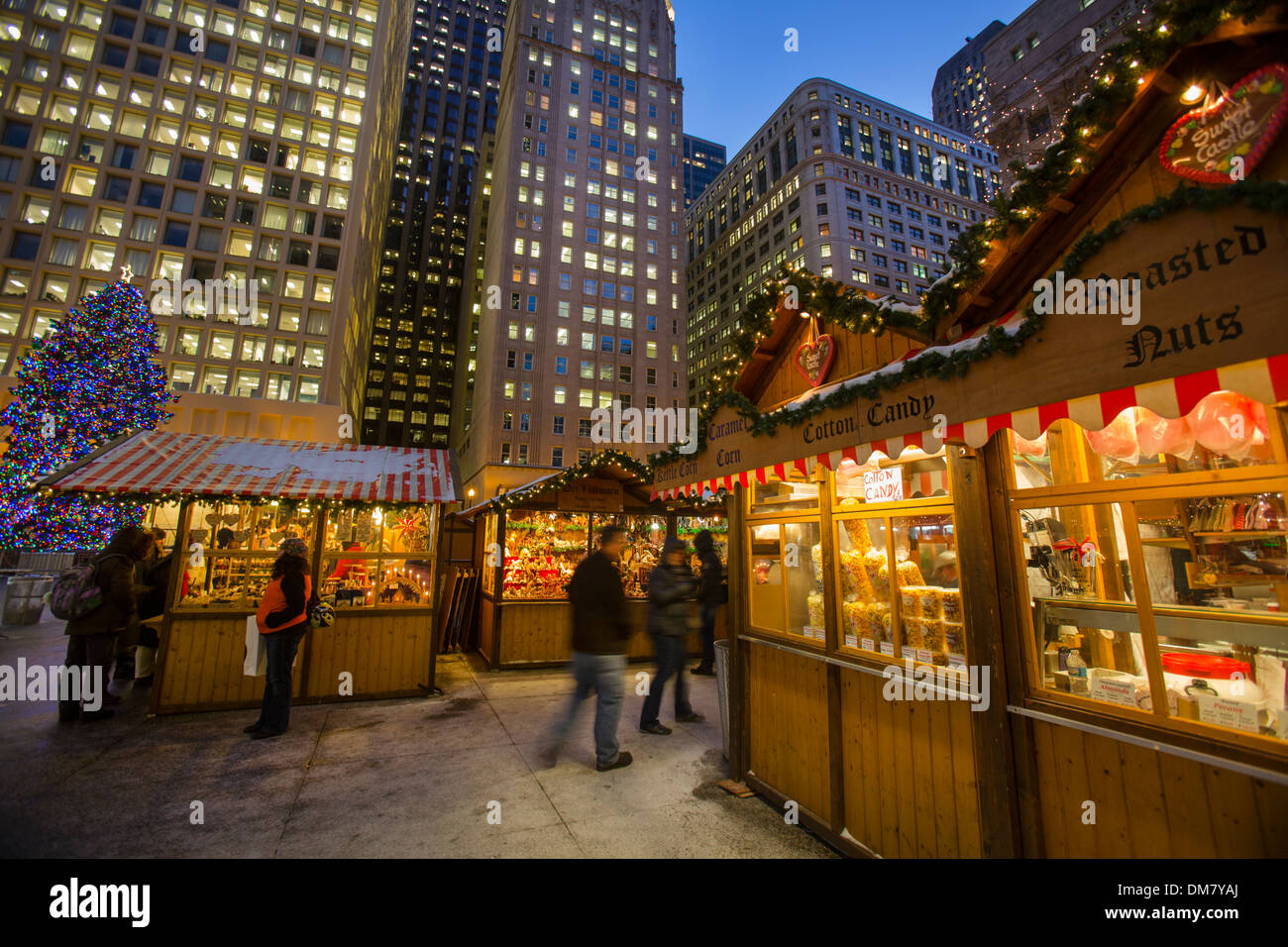 outdoor christmas market in downtown chicago - Chicago Christmas Market