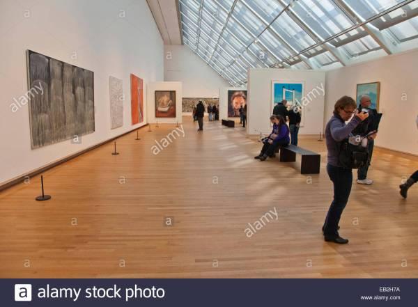 Modern Art Metropolitan Museum In