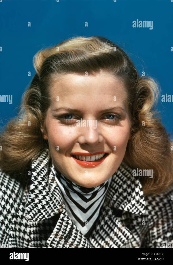 6afea642ec7 1950s Smiling Brunette Woman Wearing Silk Head Scarf - Year of Clean ...