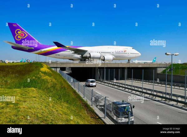 Thai Airways Boeing 747- 400 Airplane Plane Of Stock Royalty Free
