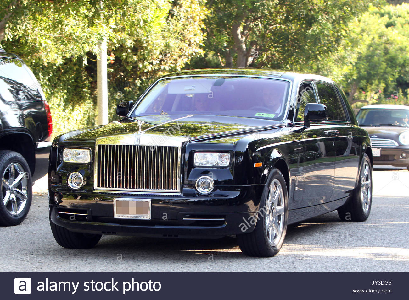 Simon Cowell S Rolls Royce Guests Arrive To Holly Valance