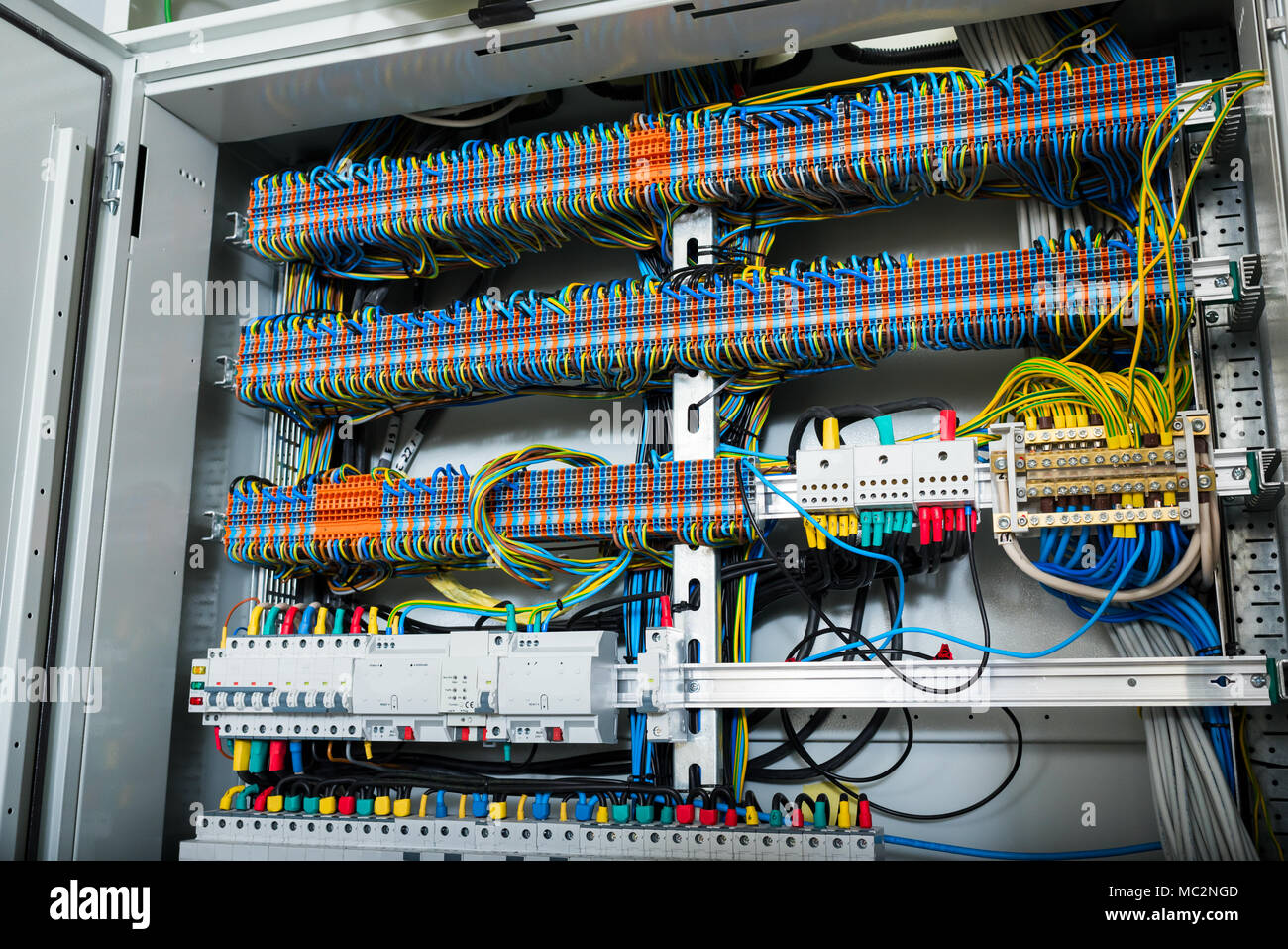 hight resolution of wires in electrical panel in the box