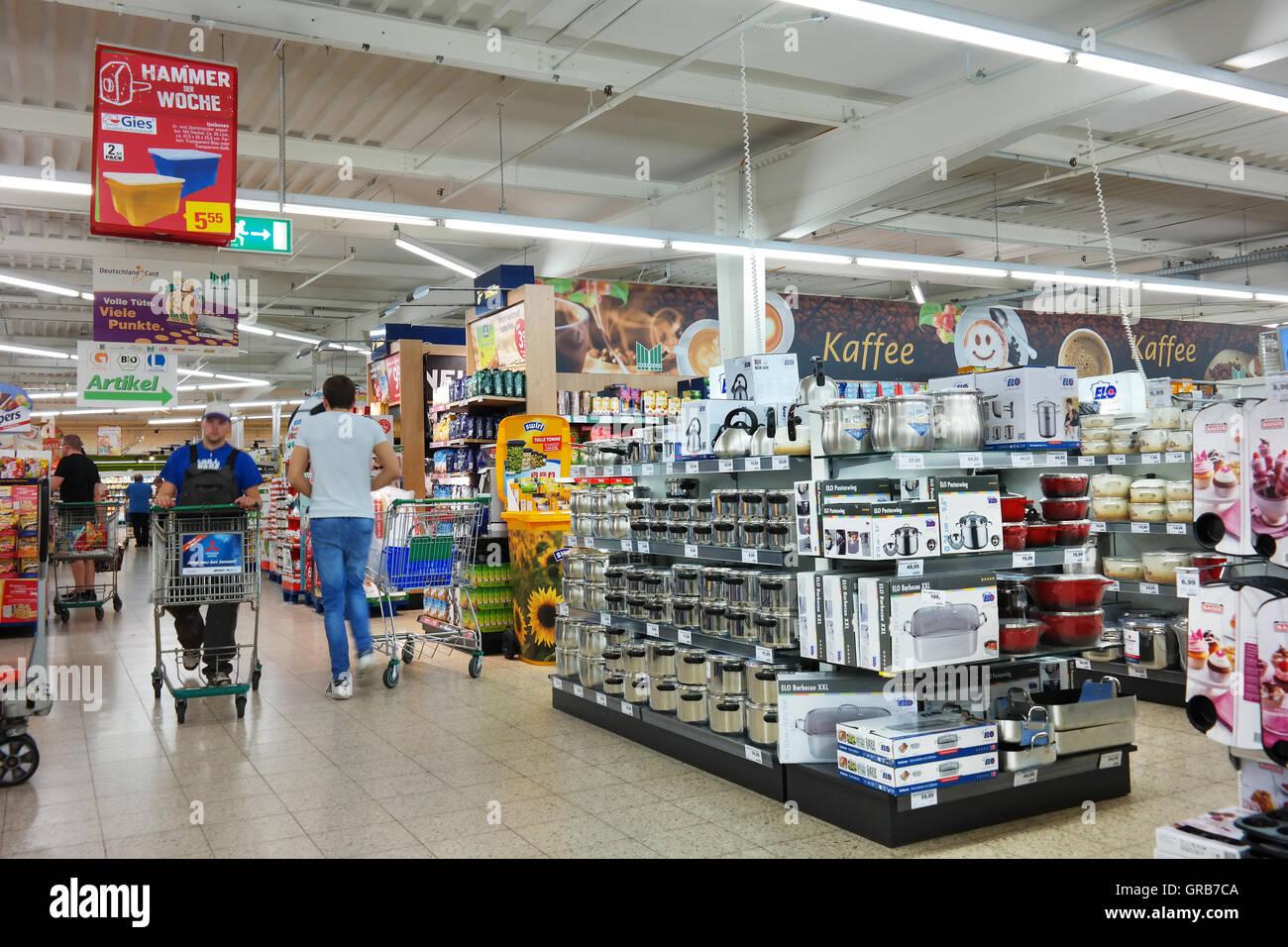 Ukrainische Kuche Berlin Mess Kit Stockfotos And Mess Kit Bilder Alamy
