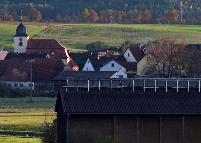 Hambühl_A7RII_Ernostar100f2,0_f2,8_Mcrop100