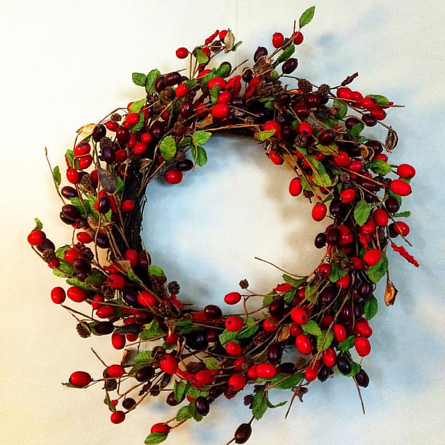 Pretty! And almost Christmas :) #upsticksandgo #wreath #christmas #creative #art #decoration #michfrost #pretty #instagood #craft